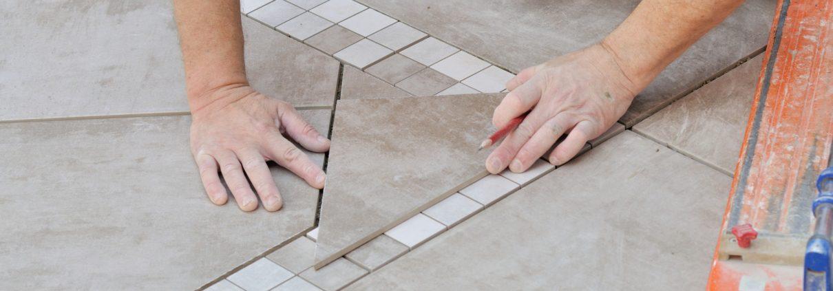 Terrassenplatten Naturstein verlegen